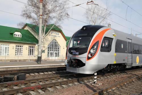 Электропоезд двойного питания HRCS2-002